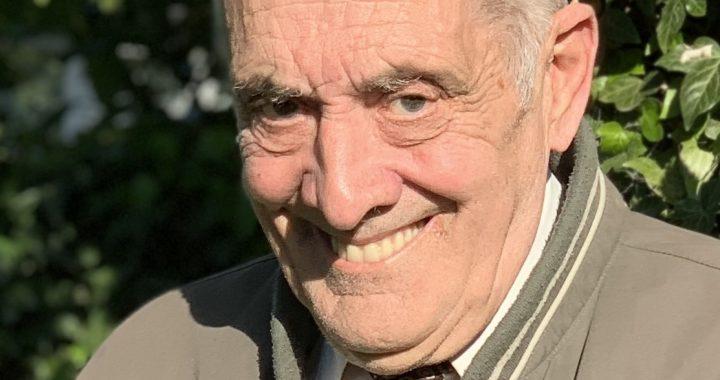 Portrait Photo of Councillor John Walker